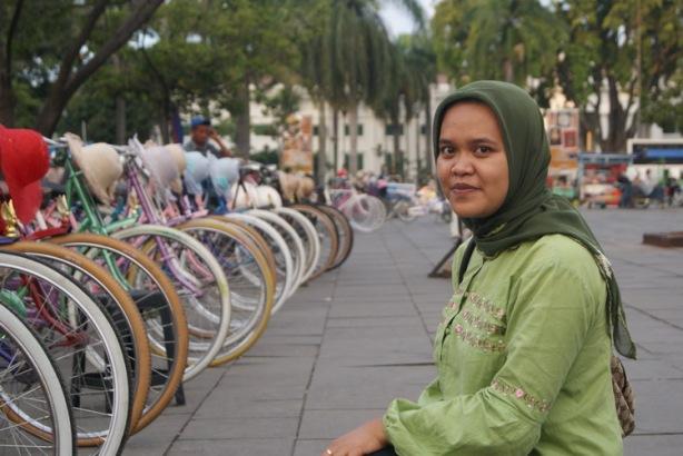 Di depan sepeda rias