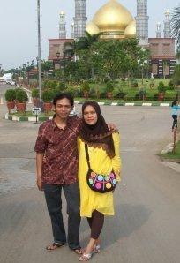 Kami berdua di Kubah Emas pada 2009