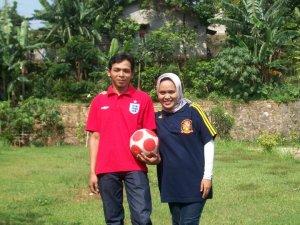 Kami Berdua Suka Bola