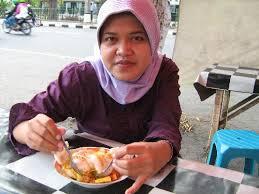 Siang-siang makan rujak siram