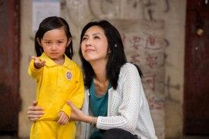 Hung Memberi Penjelasan Kepada Chu Chu Agar Dia Tidak Takut Terhadap Petir
