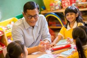 Dong Mengantikan Peran Sementara Hung Menjadi Kepala Sekolah