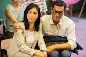 Hung yang Baru Pulang dari Rumahsakit Terharu Melihat Penampilan Terbaik murid-muridnya di Pesta Kelulusan