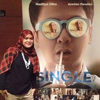 """Saya bersama poster """"Single"""""""