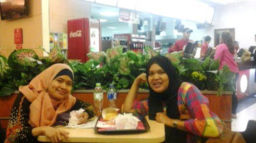 Sunariyah, teman pertamakali di Jakarta, bertemu sejak masih di YLKI